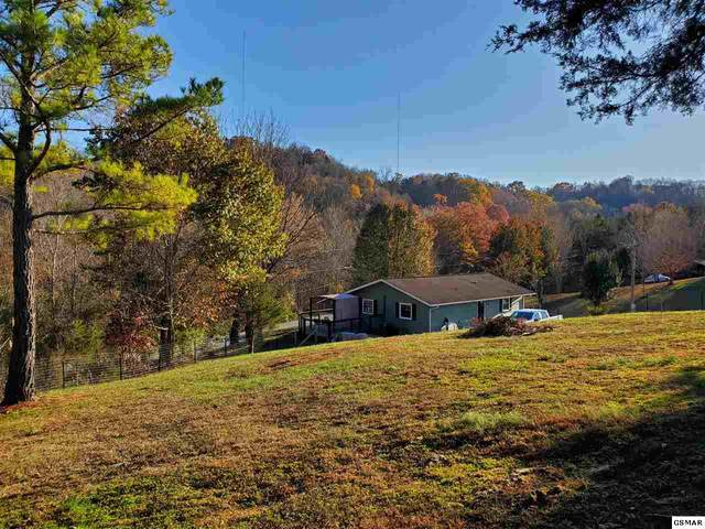 916 Hilltop Cir, Sevierville, TN 37876 (#228228) :: Jason White Team | Century 21 Four Seasons