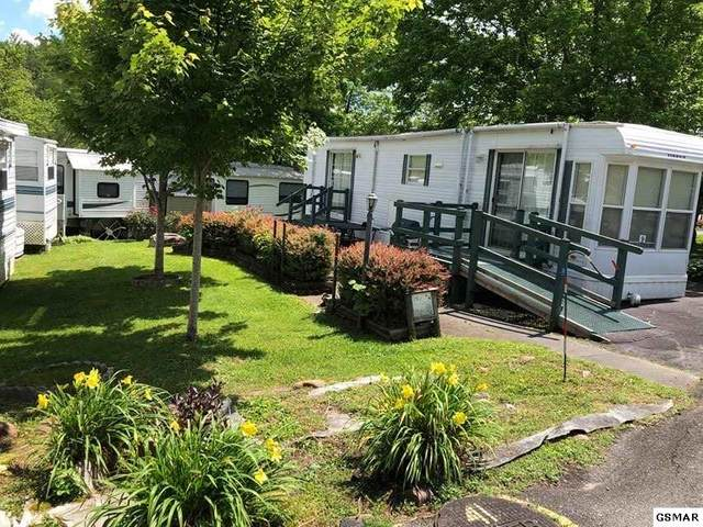 4229 E Parkway Lot #009 With U, Gatlinburg, TN 37738 (#228463) :: Colonial Real Estate