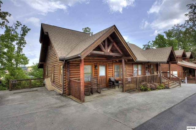 843 Golf View Blvd, Pigeon Forge, TN 37863 (#230166) :: The Terrell Team