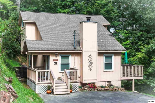 1926 Saint Moritz Dr, Gatlinburg, TN 37738 (#216386) :: Colonial Real Estate