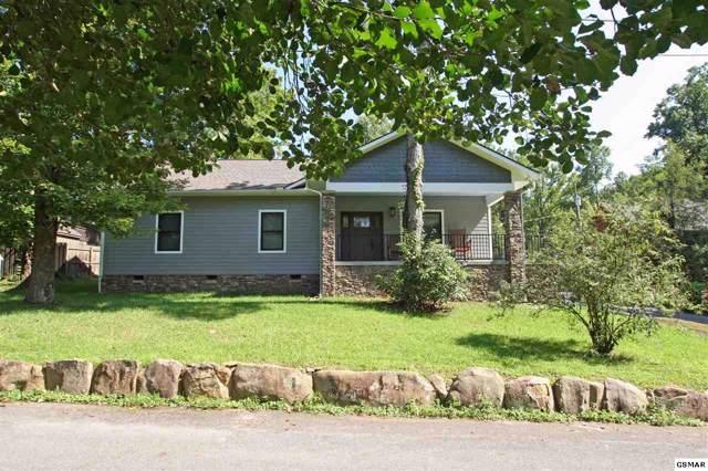 725 Dogwood Ln, Gatlinburg, TN 37738 (#218274) :: Colonial Real Estate