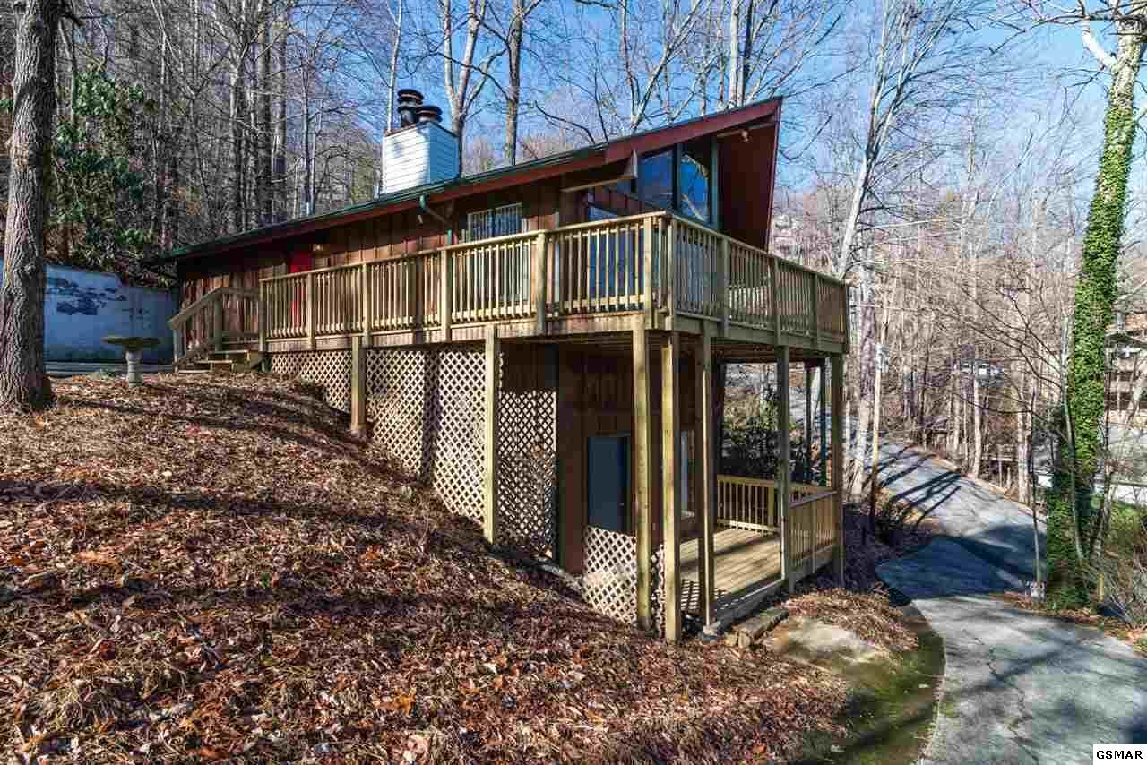 913 Echo Place, Gatlinburg, TN 37738 (#207024) :: Colonial Real Estate