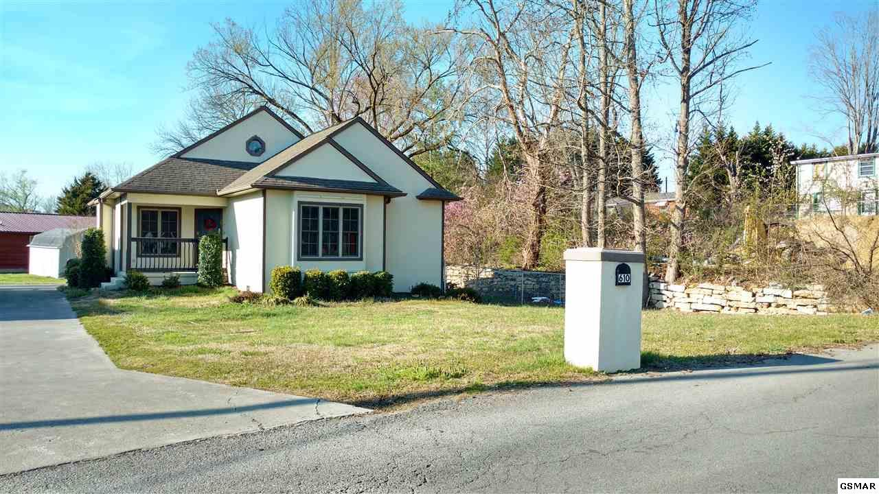 Colonial Real Estate : S asbury drive pigeon forge tn