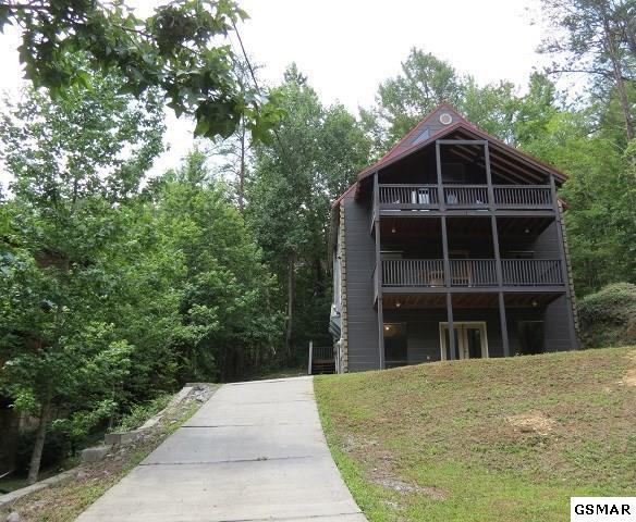 919 Powdermill Rd., Gatlinburg, TN 37738 (#211242) :: Billy Houston Group