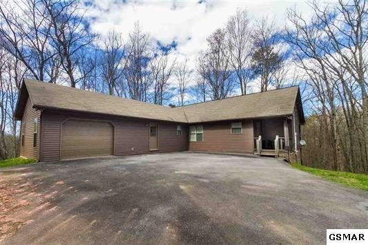 4406 Mountain Laurel Way 4328,4330,4412,, Pigeon Forge, TN 37863 (#211716) :: The Terrell Team