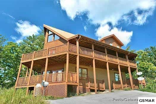 3224 Emerald Spring Loop, Sevierville, TN 37862 (#211737) :: The Terrell Team