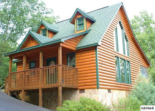 327 Cottage Pinnacle Way Bearadise, Gatlinburg, TN 37738 (#213205) :: Colonial Real Estate