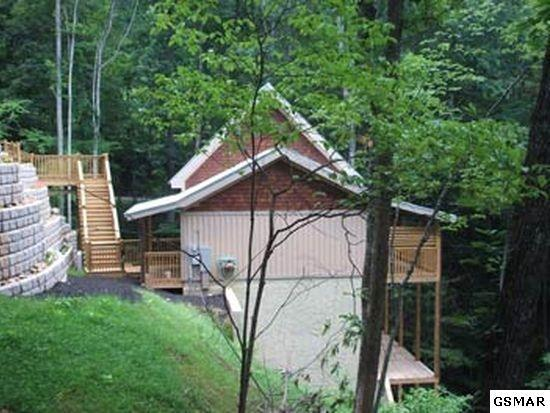 514 Laurel Mountain Rd, Gatlinburg, TN 37738 (#213660) :: Colonial Real Estate