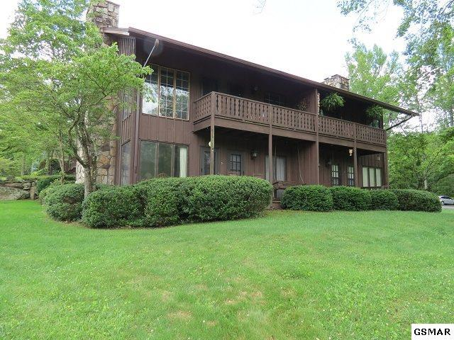 3815 E Parkway Unit 5 Brandywine Cond, Gatlinburg, TN 37738 (#215124) :: Four Seasons Realty, Inc