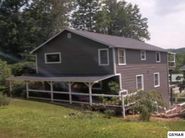 121 Crestwood Circle Way, Cosby, TN 37722 (#216792) :: Four Seasons Realty, Inc