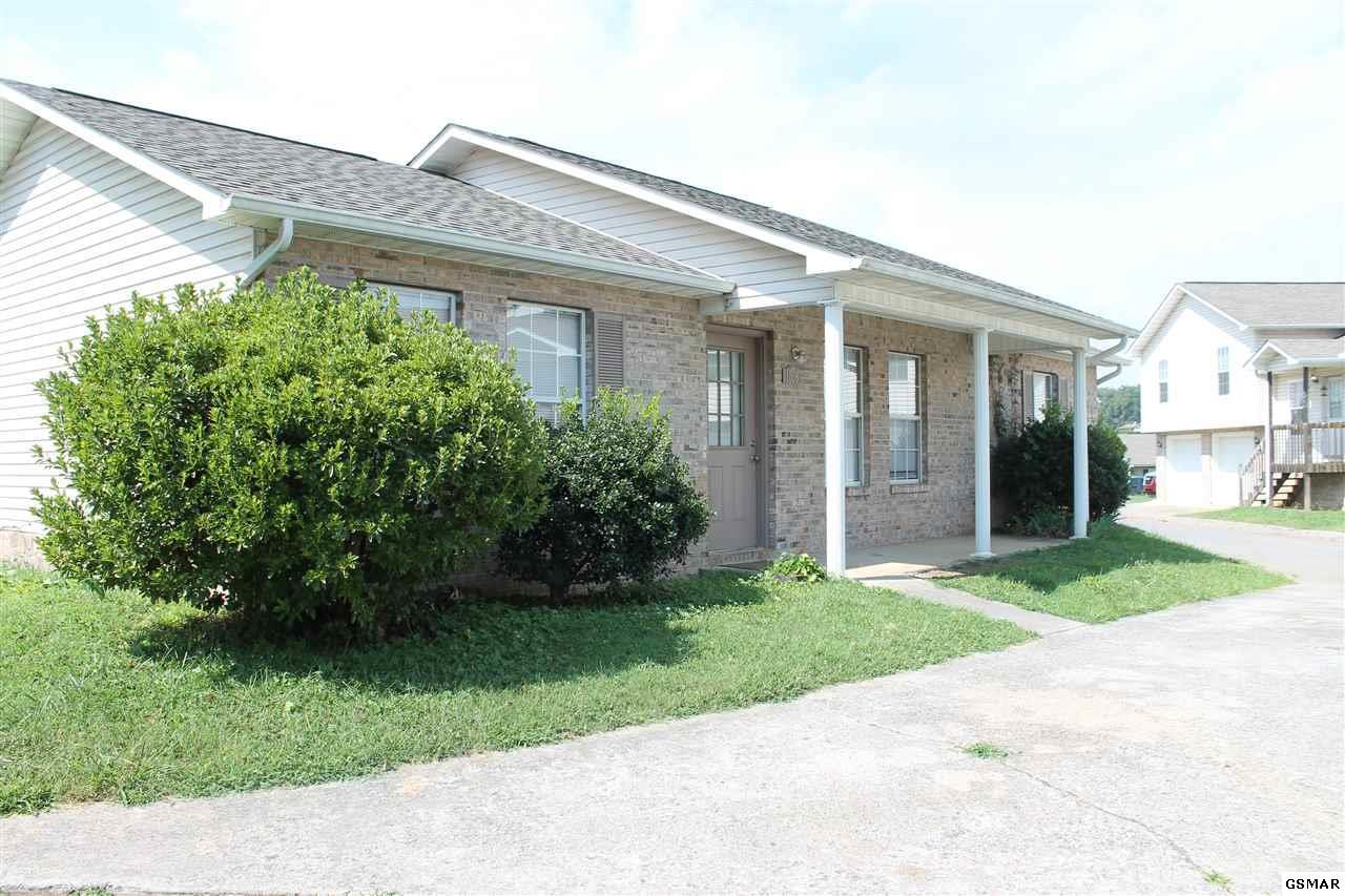 1506 Country Place Way - Photo 1