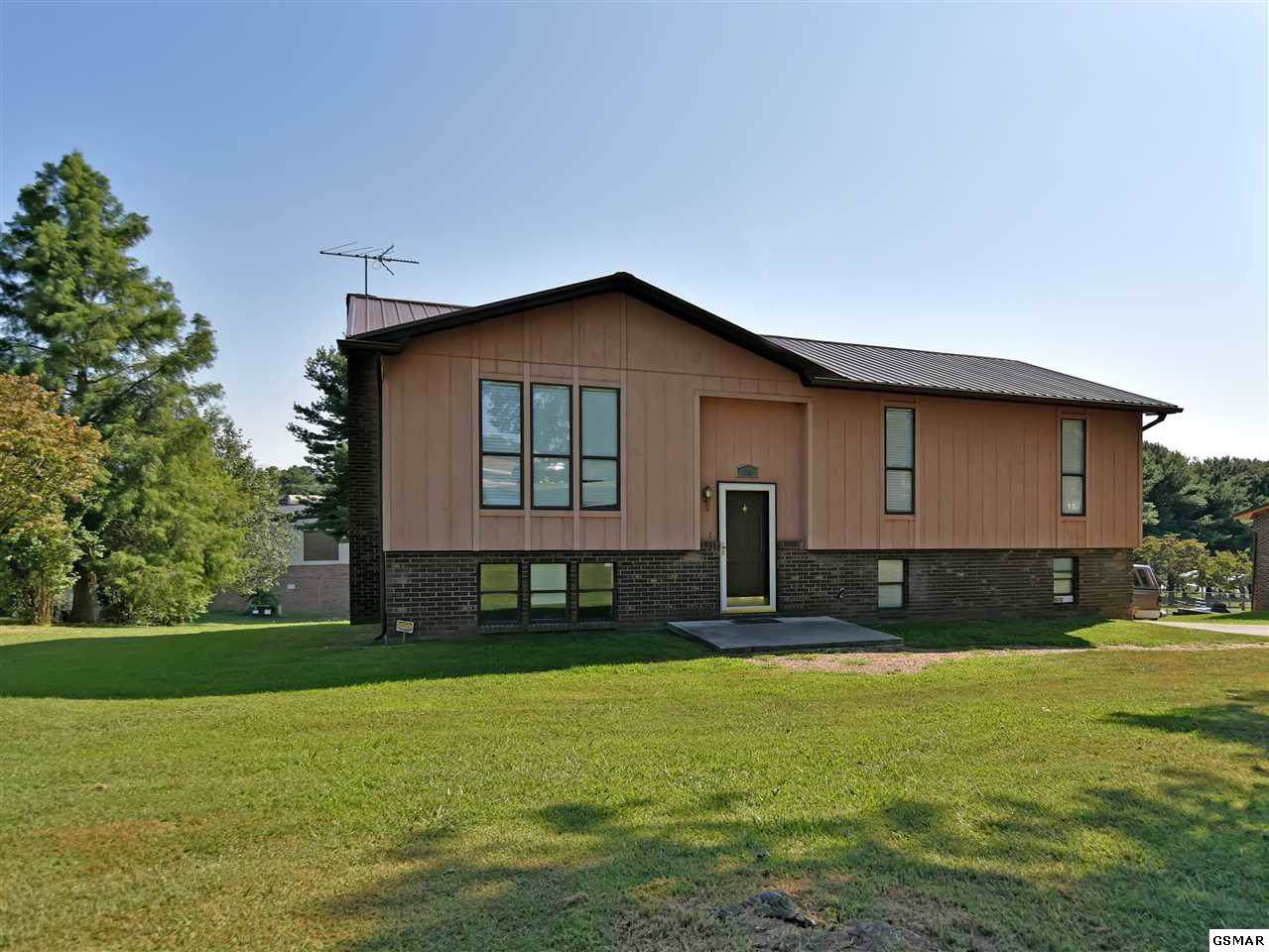 1206 Hill Dr - Photo 1