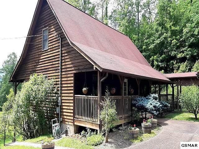 425 Patterson Ln, Gatlinburg, TN 37738 (#228470) :: Four Seasons Realty, Inc