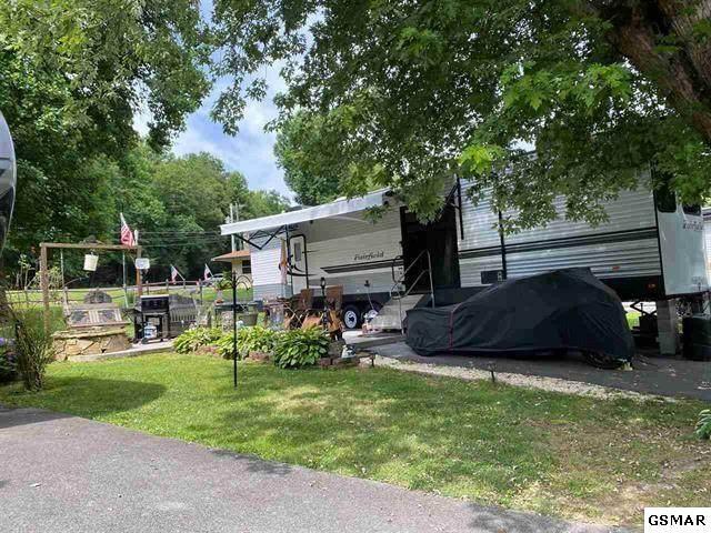 4229 E Parkway Lot #156 W/ Uni, Gatlinburg, TN 37738 (#231715) :: Billy Houston Group