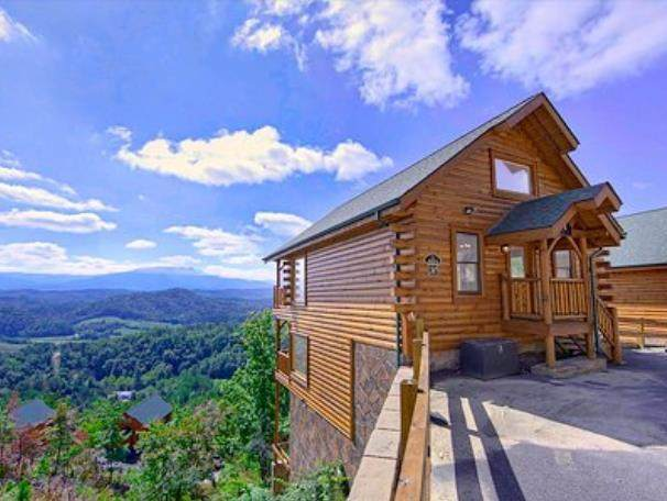 2615 Greystone Ridge Dr, Sevierville, TN 37876 (#240471) :: Colonial Real Estate