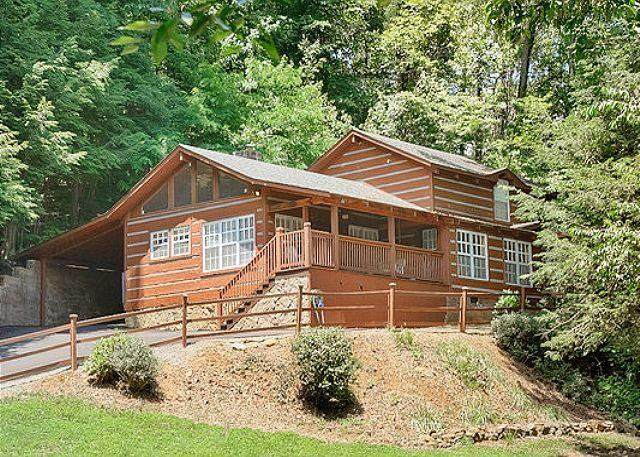 624 Red Bud Ln, Gatlinburg, TN 37738 (#241979) :: Billy Houston Group