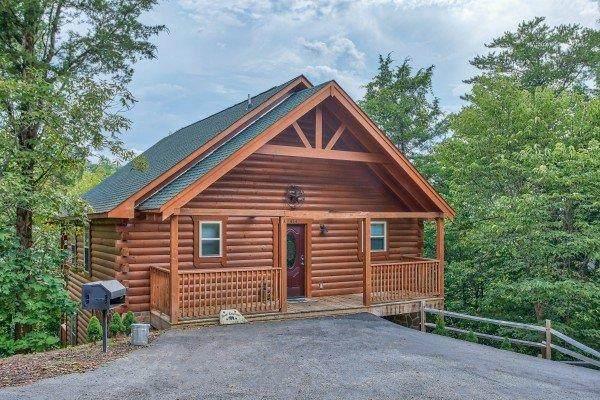 414 Alpine Mountain Way, Pigeon Forge, TN 37863 (#242271) :: Century 21 Legacy