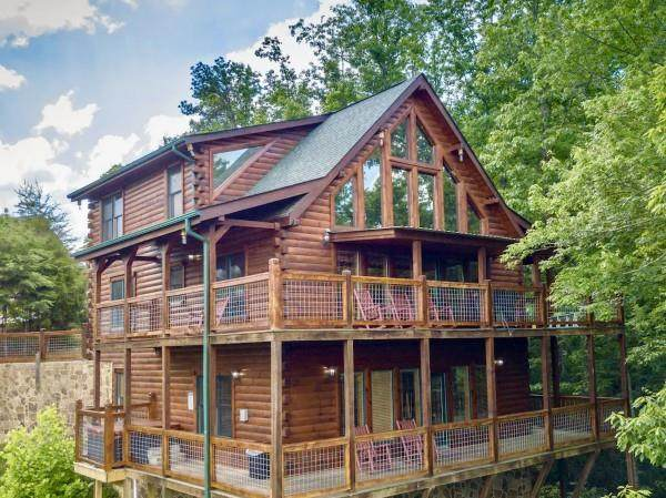2029 Delta Dawn Dr Panoramic Parad, Sevierville, TN 37862 (#243493) :: JET Real Estate