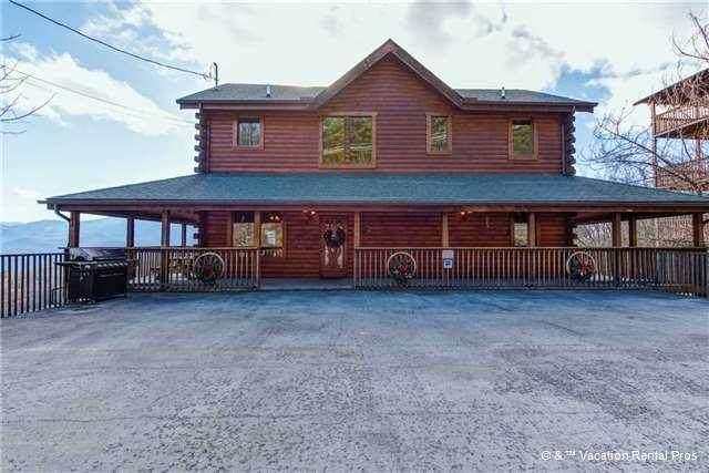 "1215 Ski View Dr. ""Starry Nights"", Gatlinburg, TN 37738 (#244002) :: Colonial Real Estate"