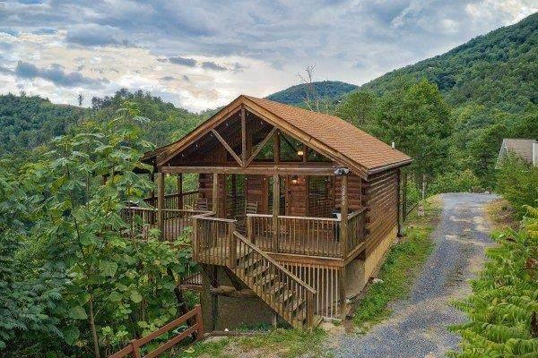 2080 Bluff Mountain Rd. Knotty Nest, Sevierville, TN 37876 (#244751) :: The Terrell-Drager Team