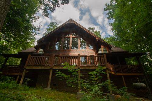 828 Pinnacle Vista Rd, Gatlinburg, TN 37738 (#244763) :: Suzanne Walls with eXp Realty