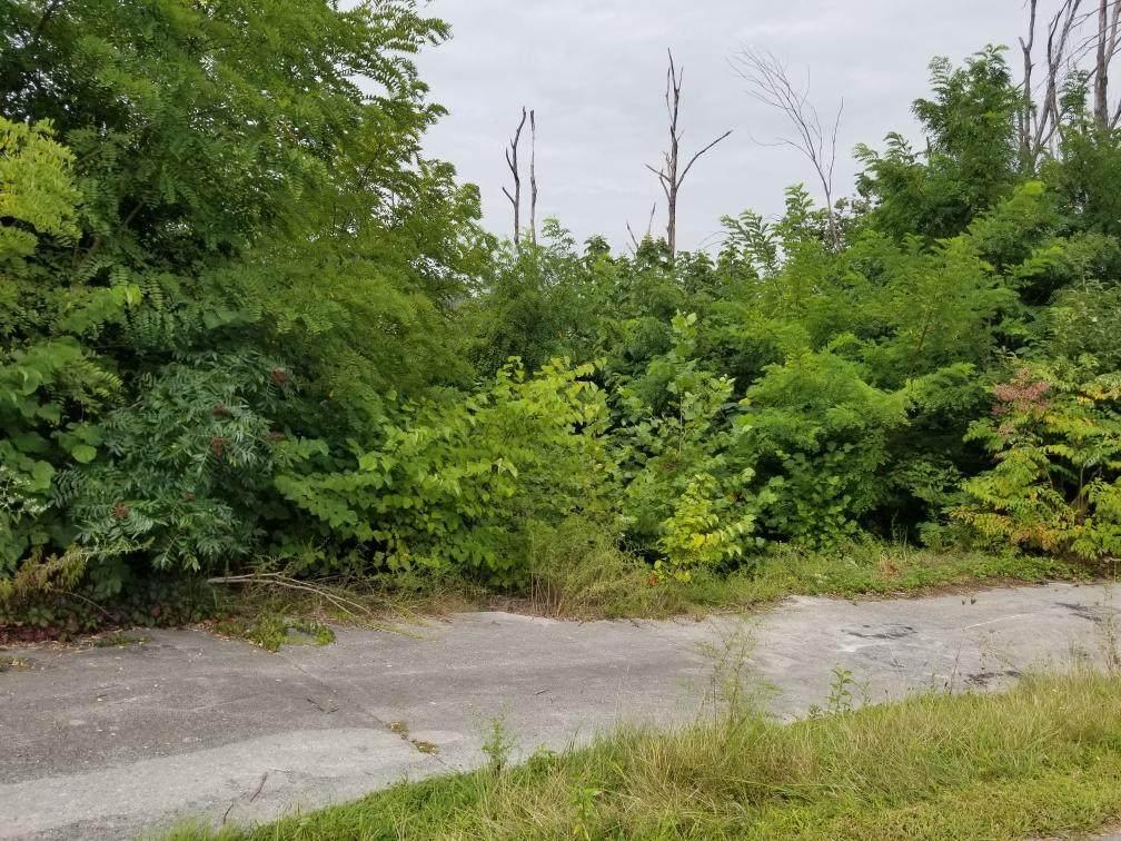633 Pinecrest Dr - Photo 1