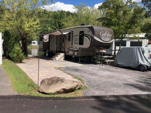 4229 E Parkway Lot #371 Lot And Camper, Gatlinburg, TN 37738 (#244971) :: Colonial Real Estate