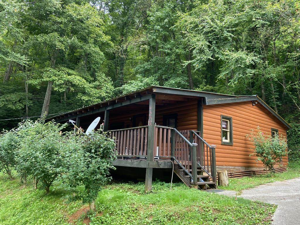 4375 Manis Hollow Road - Photo 1