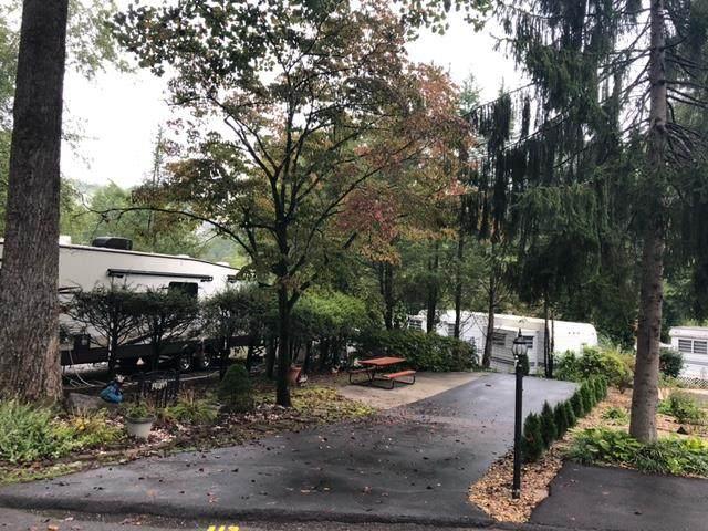 4229 E Parkway Lot #113 Vacant Lot, Gatlinburg, TN 37738 (#245119) :: Colonial Real Estate