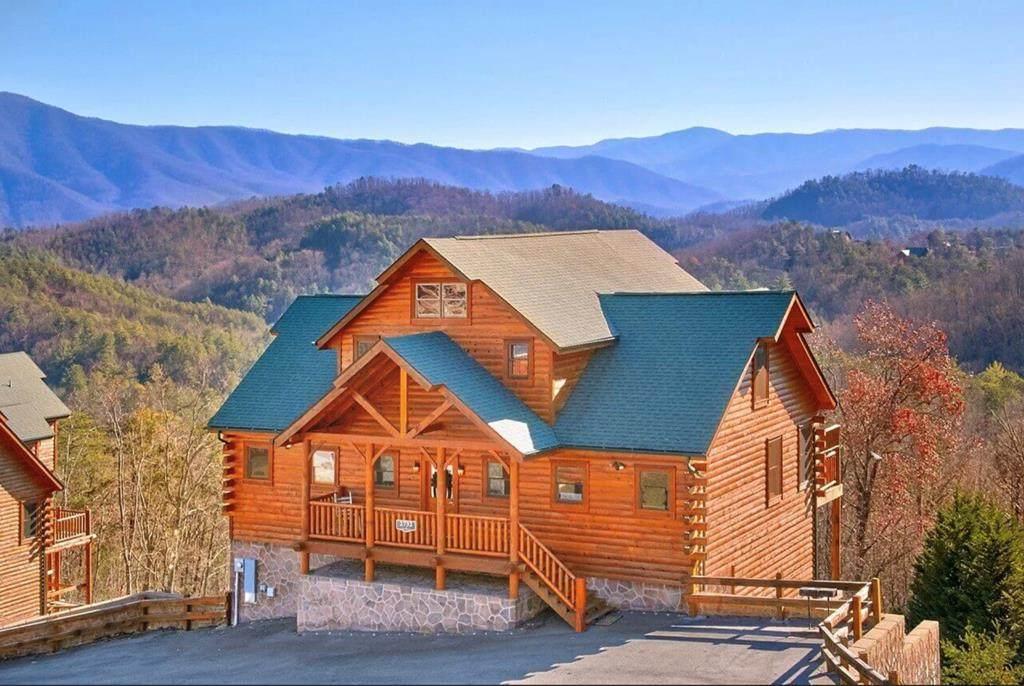 2732 Mountain Preserve Drive - Photo 1