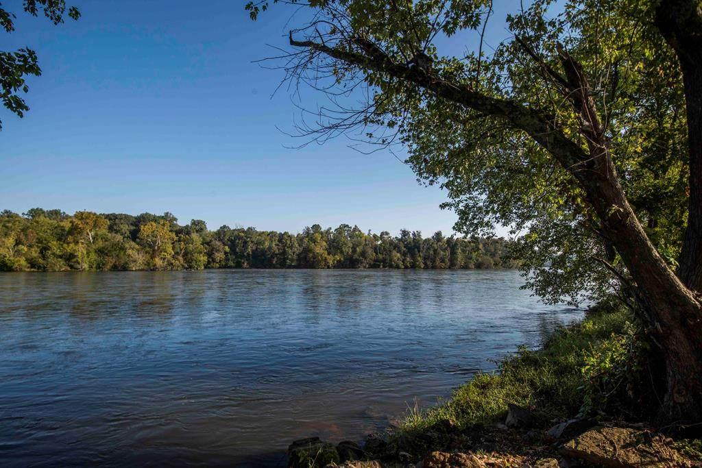 3188 Boyds Creek Hwy - Photo 1