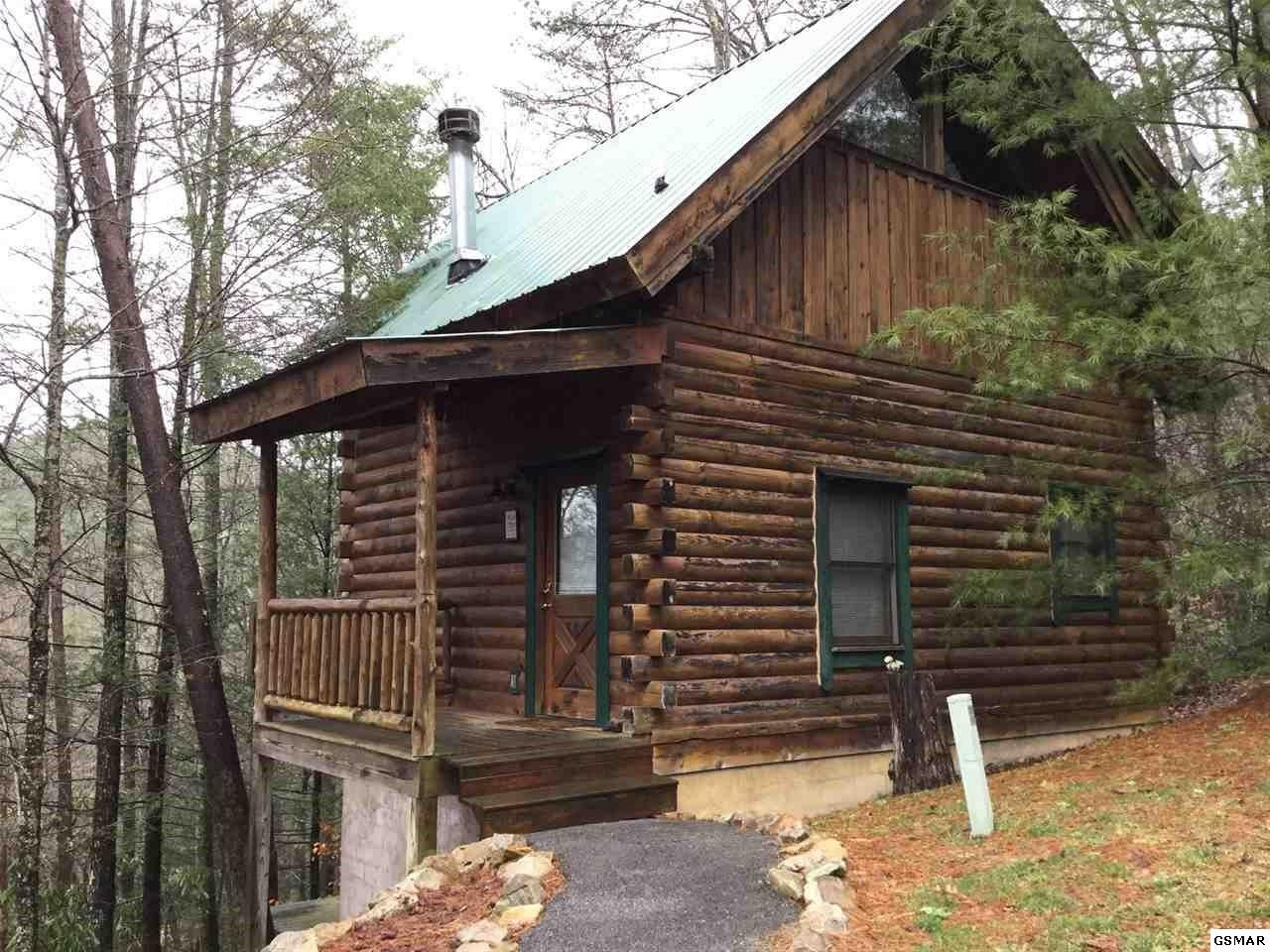 Colonial Real Estate : Brothers way sevierville tn