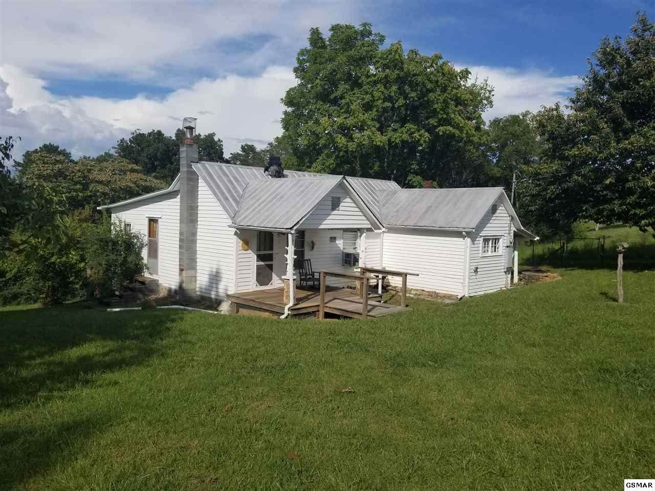 462 County Line Rd - Photo 1