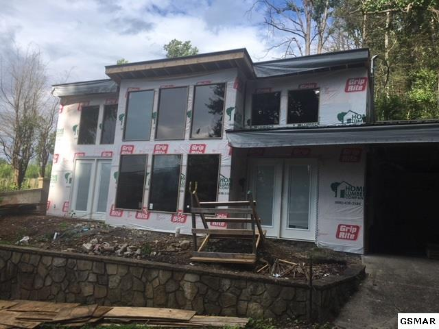 213 Silverbell Ln, Gatlinburg, TN 37738 (#216424) :: Colonial Real Estate