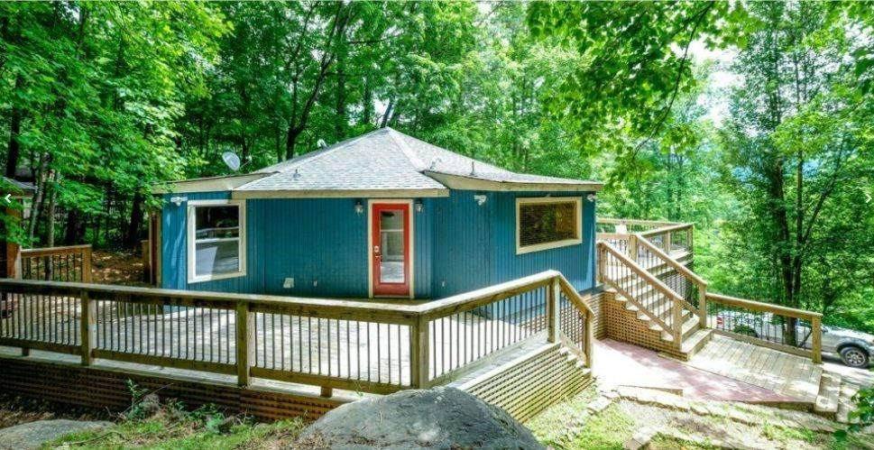 824 Foothills Dr - Photo 1