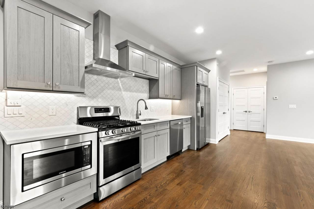 49 Watchung Ave - Photo 1