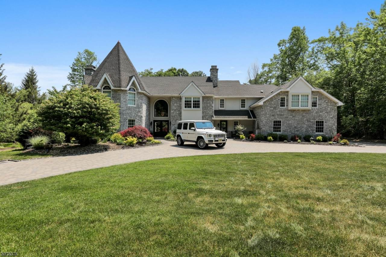 35 Tower Hill Ln - Photo 1