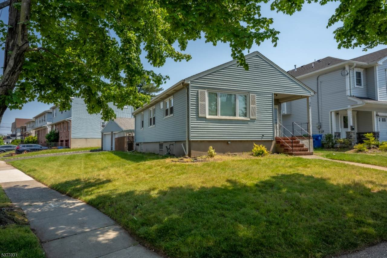 401 W Linden Ave - Photo 1