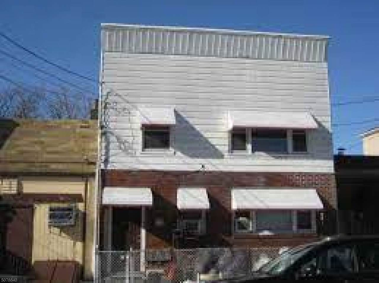43 Nelson Ave - Photo 1