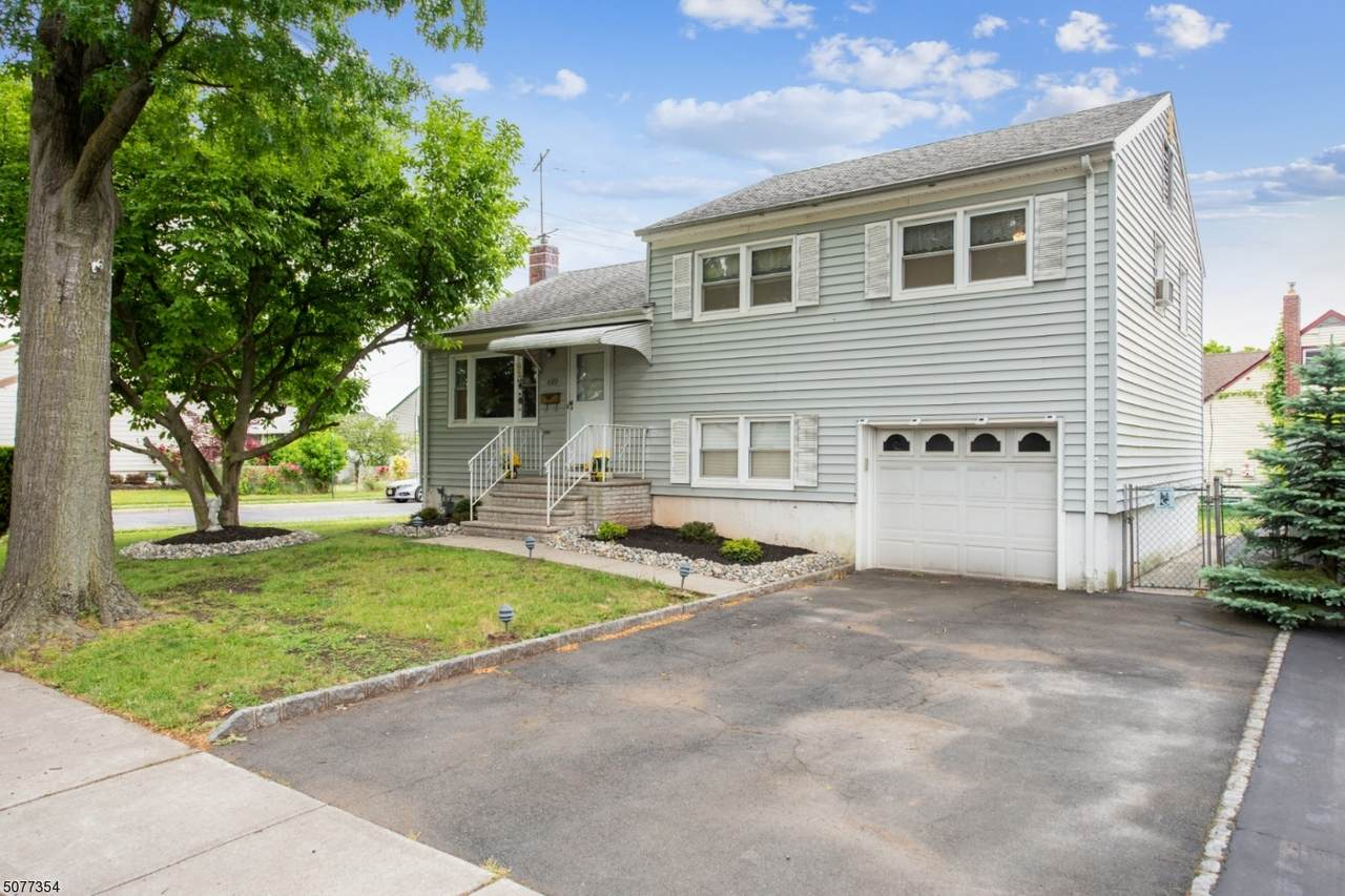 689 Colonial Arms Rd - Photo 1