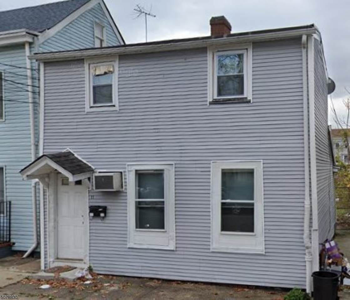 11 Manchester Ave - Photo 1