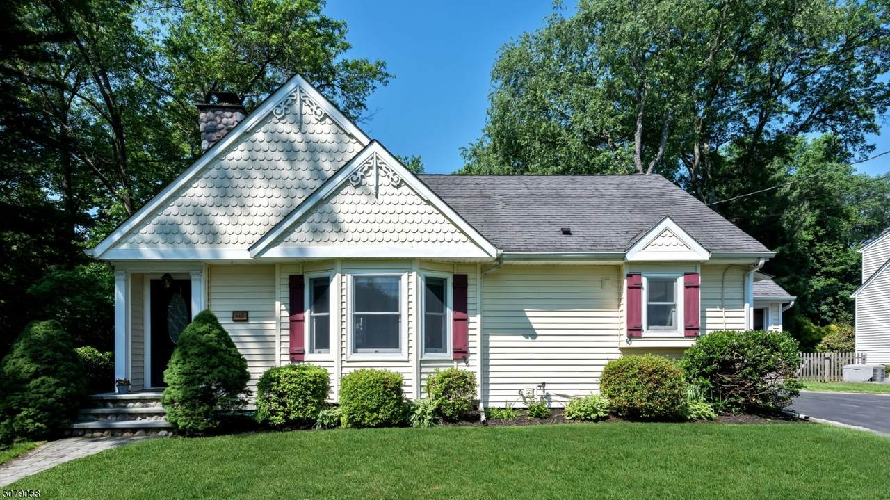 440 Ardmore Rd - Photo 1