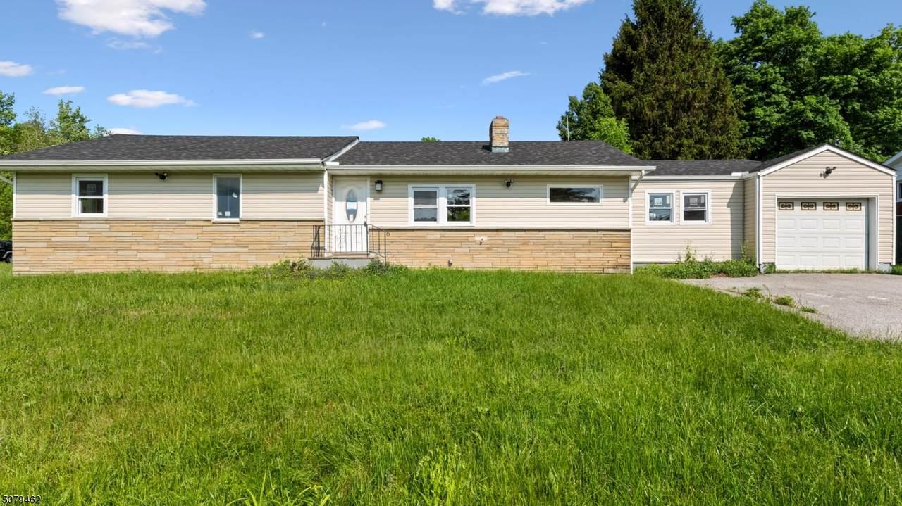110 Barry Dr N. - Photo 1