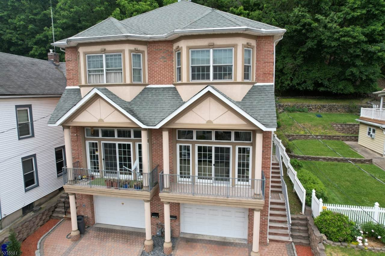 388 Undercliff Ave - Photo 1
