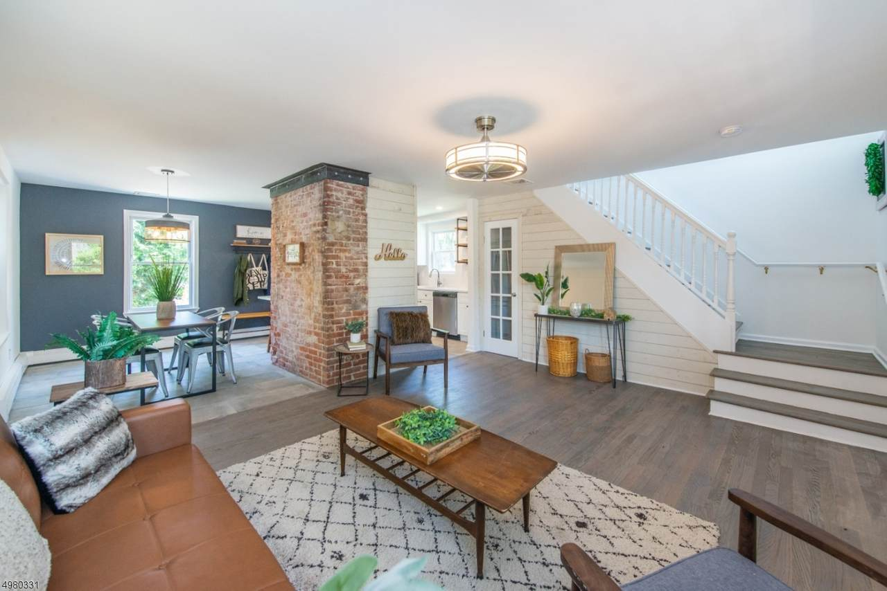 26 Central Ave - Photo 1