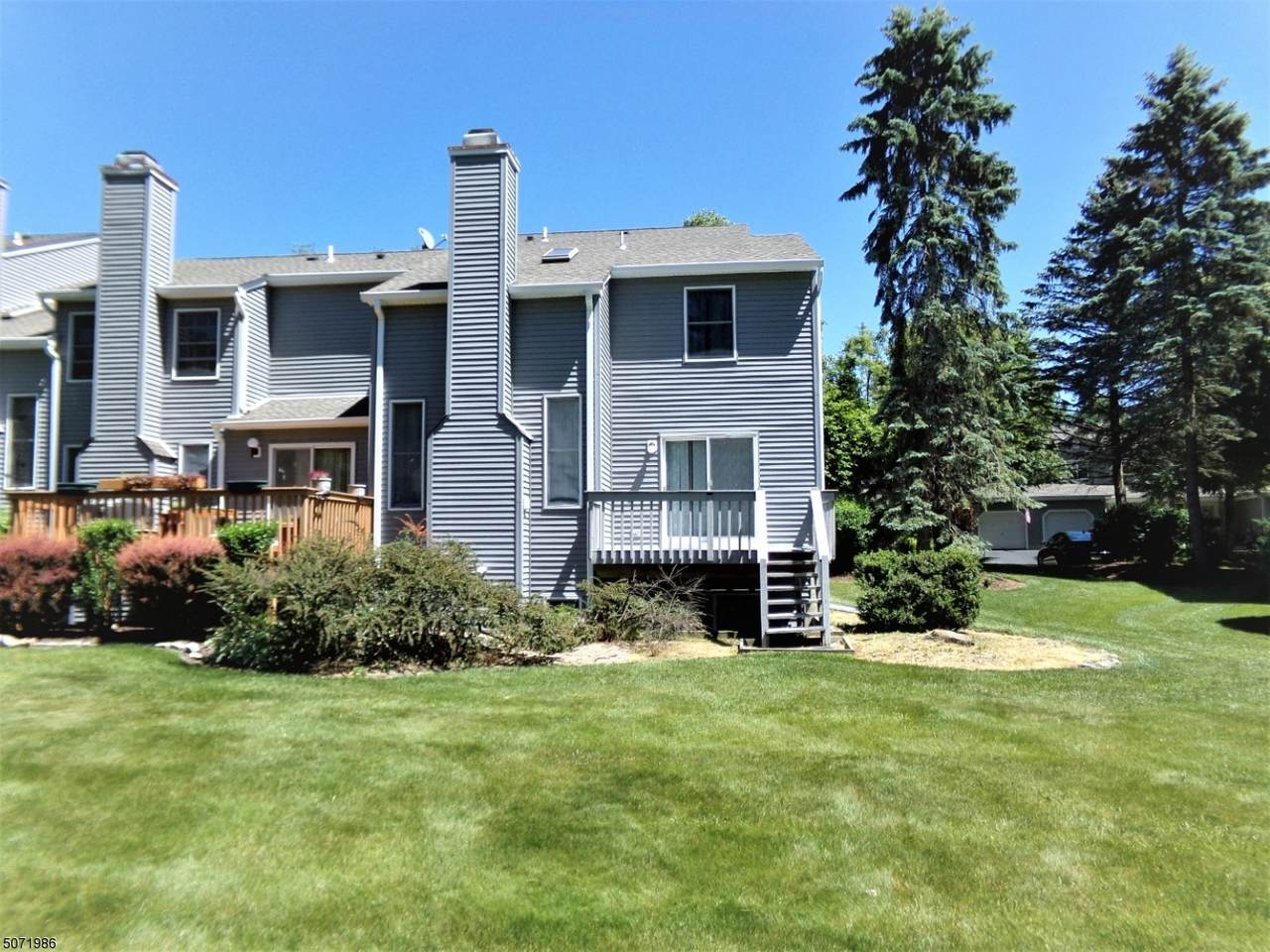 18 Meadow Pond Road - Photo 1