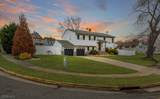 27 Wick Dr - Photo 1