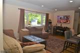 16 Lawrence Ave - Photo 4