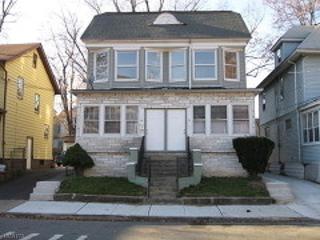 81 Oakland Ter, Newark City, NJ 07106 (MLS #3316243) :: The Dekanski Home Selling Team