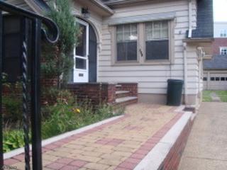 308 Parker Rd, Elizabeth City, NJ 07208 (MLS #3327354) :: The Dekanski Home Selling Team